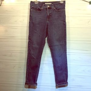 """Levi's Mid Rise Shaping Skinny Jeans 28x28"""""""